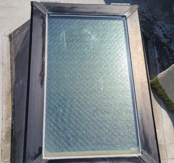 天窓ガラスシール完了